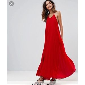 Misguided red flowy dress NWOT